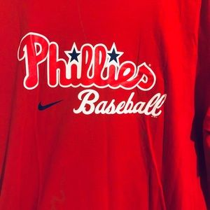 Phillies t shirt